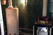 Демонтаж и установка нового газового котла Аристон 150 литров.