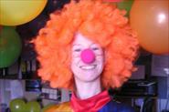 Работа промоутером: клоун на мероприятии