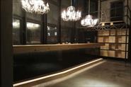 Строительство барной стойки в ресторане.
