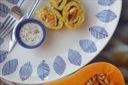 Яичный рулет с творожным сыром и пряной тыквой