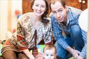 Семейная домашняя фотосессия с ребенком (1 год) и гостями.