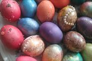 К Пасхе крашу яйца и пеку вкусные куличи