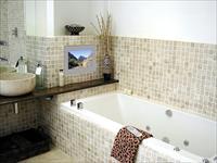 Варианты дизайна ванной комнаты с мозаикой